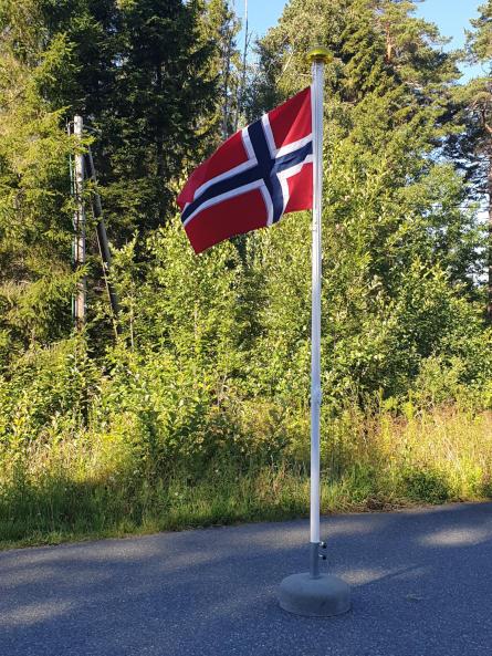 Flaggstang med fot, 3 meter